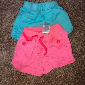 Lot of 2 Carter's shorts size 12 mos.
